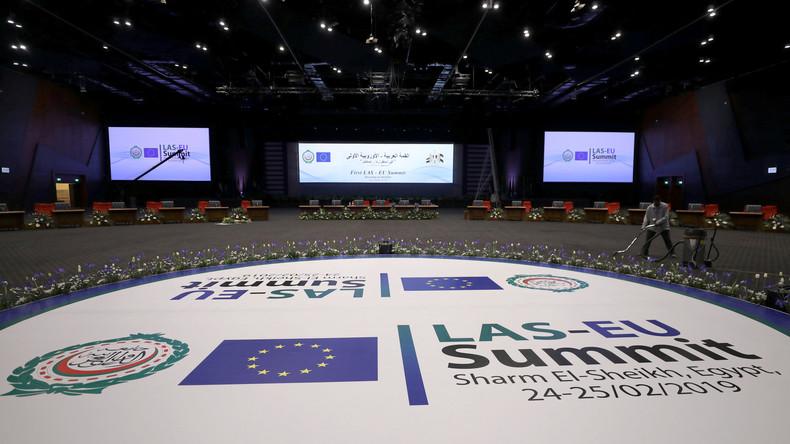 Angela Merkel reist zum EU-Gipfel mit Arabischer Liga in Ägypten