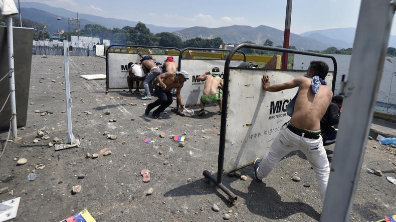 LIVE von der Simon-Bolivar-Brücke an der Grenze zwischen Venezuela und Kolumbien