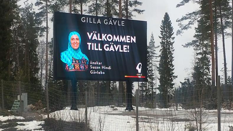 """""""Willkommen in Gävle"""": Schwedische Behörden wegen Begrüßungsplakats mit Frau in Hijab unter Druck"""