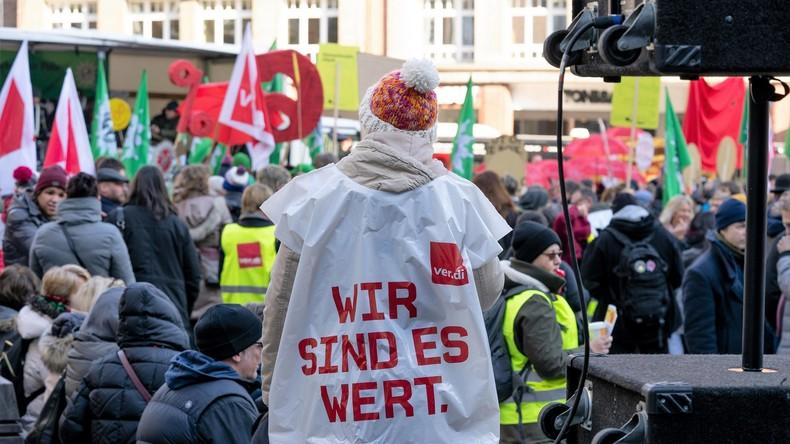 Geschlossene Kitas und Großkundgebungen: Warnstreiks in mehreren deutschen Bundesländern