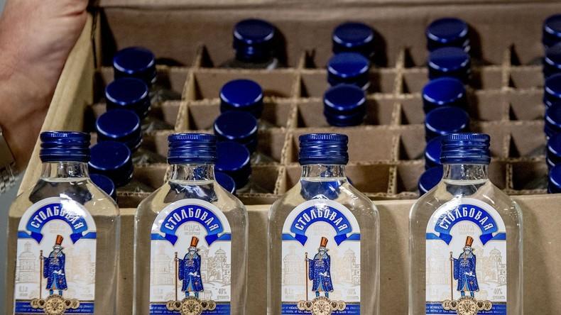 """90.000 Flaschen mit russischem Wodka """"für Kim Jong-un"""" in Niederlanden beschlagnahmt"""