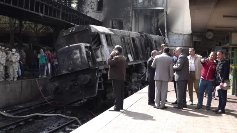 Ägypten: Rettungskräfte vor Ort – tödliche Entgleisung im Bahnhof von Kairo