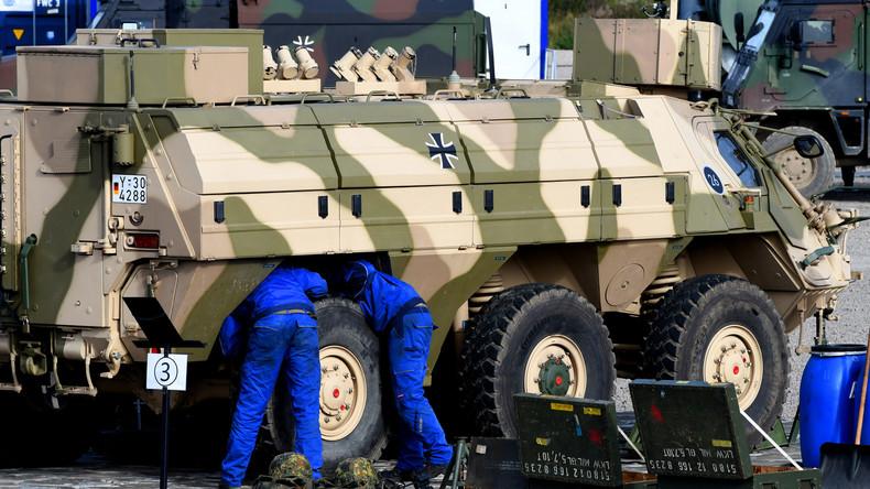 Bundespressekonferenz: Bundeswehr darf eigene Panzer und Flugzeuge nicht reparieren