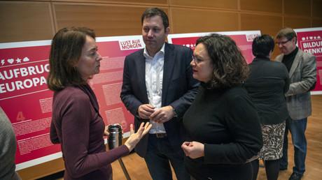 Andrea Nahles gemeinsam mit Generalsekretär Lars Klingbeil und Justizministerin Katarina Barley bei einem Treffen der Parteispitze im Dezember 2018