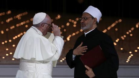 Papst Franziskus und der Großimam von al-Azhar, Scheich Ahmed al-Tayeb, in Abu Dhabi, Vereinigte Arabische Emirate, 4. Februar 2019