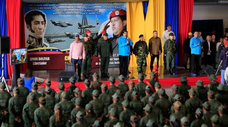 Venezuelas Präsident Nicolás Maduro spricht zu Soldaten in Maracaibo (6. Februar).