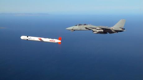 Tomahawk-Marschflugkörper bei einem Testflug.