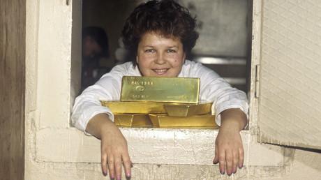 Russische Goldbesitzer können sich freuen: Die Regierung will die Steuern auf Gold abschaffen.