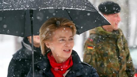 Bundesverteidigungsministerin Ursula von der Leyen besucht deutsche Truppen, die im Rahmen der NATO-Kampftruppe Forward Presence (eFP) auf dem Militärstützpunkt Rukla, Litauen, eingesetzt sind, 4. Februar 2019.