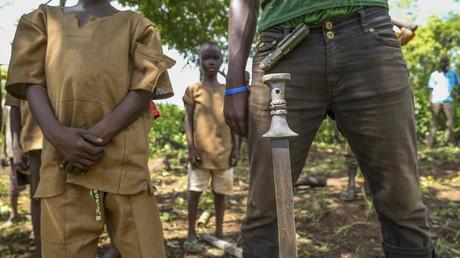 Unicef: Bis zu 250.000 Mädchen und Jungen als Kindersoldaten missbraucht (Symbolbild)
