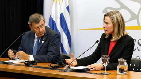 Uruguays Außenminister Rodolfo Nin Novoa und die EU-Außenbeauftragte Federica Mogherini während der Gespräche in Montevideo.