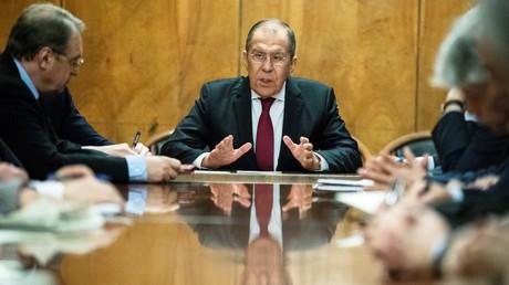 Der russische Außenminister Sergej Lawrow während eines Treffens mit Vertretern palästinensischer Gruppen im Rahmen eines innerpalästinensischen Dialogs in Moskau, 12. Februar 2019.