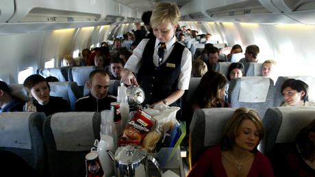Typisch britisch: Flugzeug kehrt Teetrinkern zuliebe wegen Heißwassermangel an Bord um (Symbolbild)