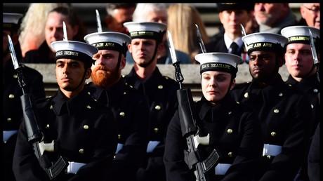 Mitglieder der Royal Navy am 11. November 2018, London, Großbritannien.