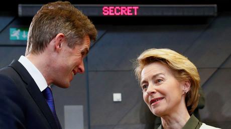 Von der Leyen und Williamson bei einem Treffen der NATO-Verteidigungsminister in Brüssel am Mittwoch