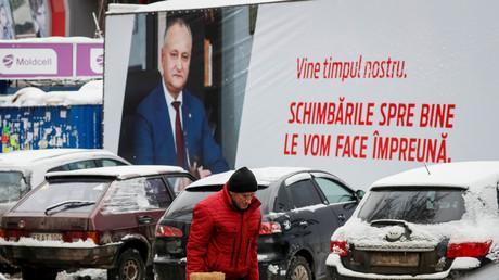 Wahlkampf in der Republik Moldau: Ein Plakat in der Hauptstadt Chişinău wirbt für Präsident Igor Dodon.