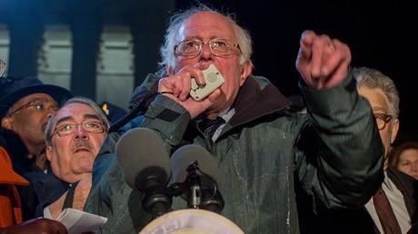 Bernie Sanders kündigt Kandidatur für US-Präsidentschaftswahlen 2020 an (Archivbild: US-Senator für Vermont, Bernie Sanders, bei Protestkundgebung gegen den Erlass zu Migranten des US-Präsidenten Donald Trump. Washington, USA. 30. Januar 2017)