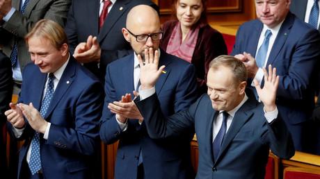 EU-Ratspräsident Donald Tusk (rechts) im ukrainischen Parlament. (19. Februar 2019)
