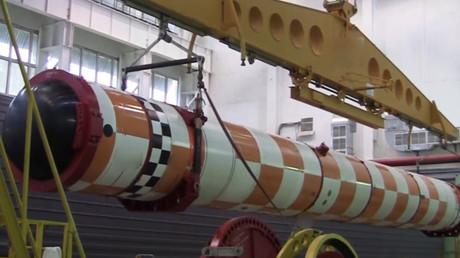 Alle 2018 angekündigten Waffen Russlands nur ein Jahr später real, manche schon in Dienst gestellt (Tests des Träger-U-Bootes für die nukleare Unterwasserdrohne