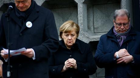 Bundeskanzlerin Angela Merkel bei der Einweihung des Mahnmals zur Erinnerung an den Anschlag im Dezember 2016