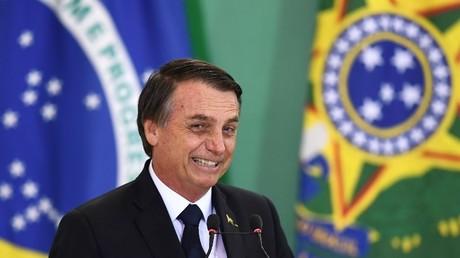 Der brasilianische Präsident Jair Bolsonaro hält am 7. Januar 2019 im Planalto-Palast in Brasilia eine Rede.