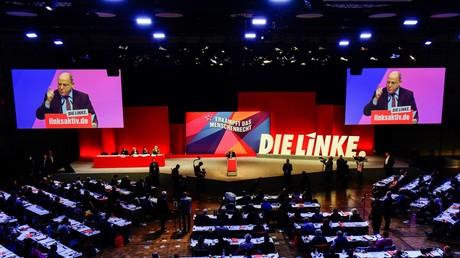 Gregor Gysi bei seiner Rede auf dem Europaparteitag der Partei Die Linke am 23. Februar 2019 in Bonn.