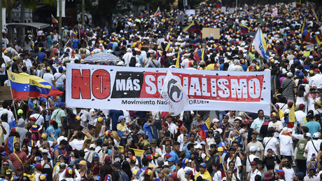 Unterstützer des selbsternannten und vom Westen unterstützten Interimspräsidenten Juan Guaidó, protestieren mit einem