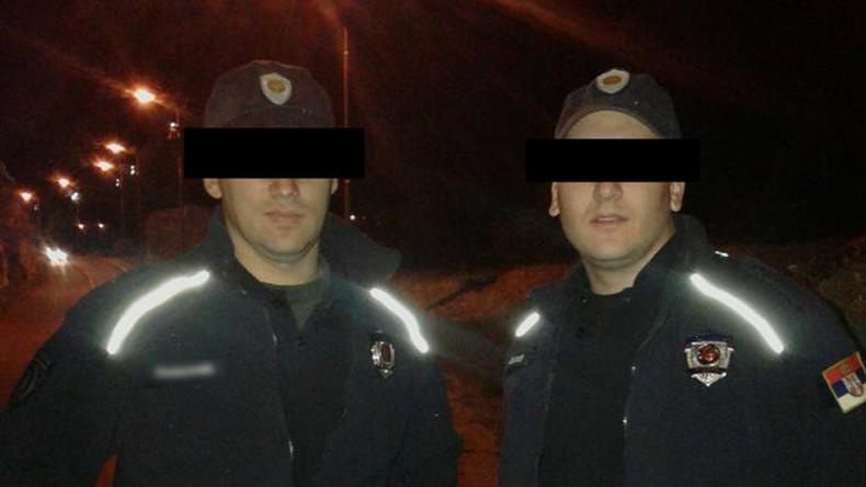 Zwei Polizisten nehmen sich frei und berauben Postamt