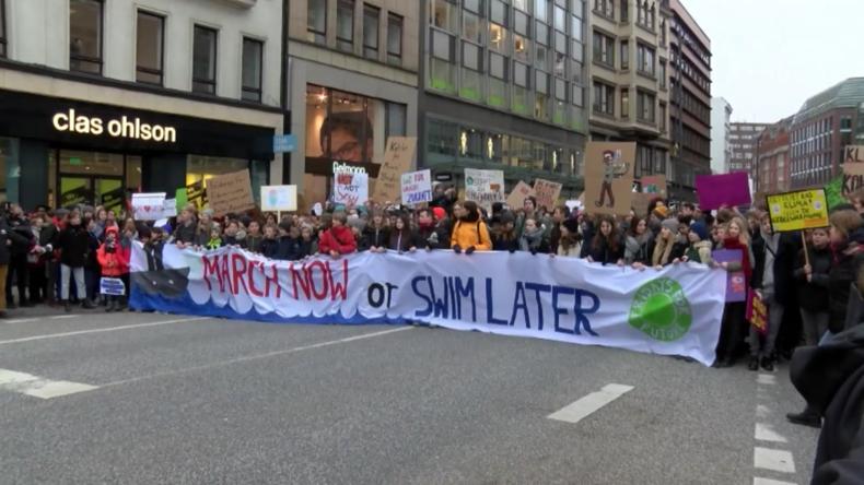 Schwedische Klimaaktivistin tritt in Hamburg beim Schulstreik auf