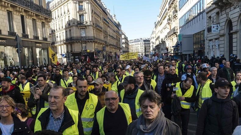 LIVE: #Gelbwesten rufen zu neuen Protesten in Paris auf