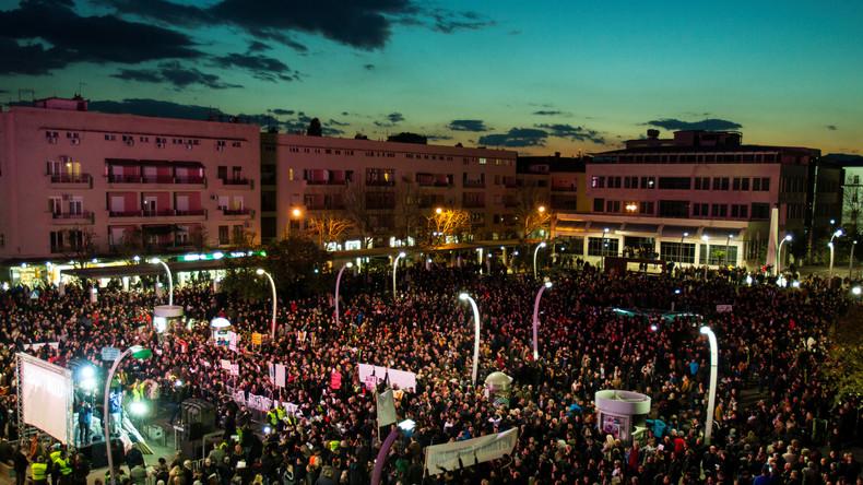 Proteste in Montenegro: Demonstranten fordern Rücktritt der Regierung