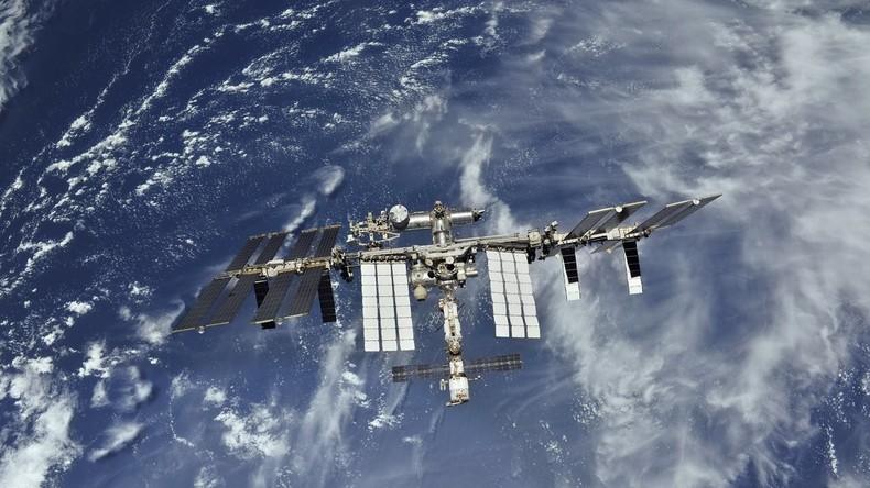 """Raumkapsel """"Crew Dragon"""" erreicht Raumstation ISS"""
