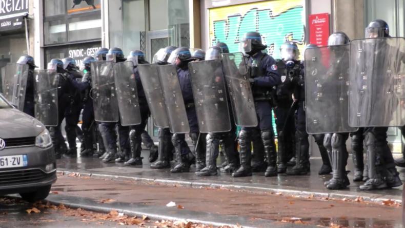 """Frankreich: Erneut Tausende von """"Gelbwesten"""" auf Frankreichs Straßen"""