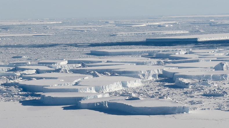 Island: Oma beim Fotoversuch beinahe auf's Meer getrieben