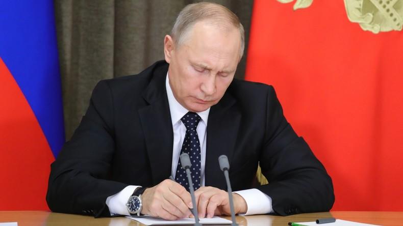 Wladimir Putin unterzeichnet Dekret über Austritt Russlands aus INF-Abrüstungsvertrag