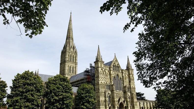 Falsches Symbolbild: Theresa Mays Reise nach Salisbury mit Foto anderer Stadt illustriert