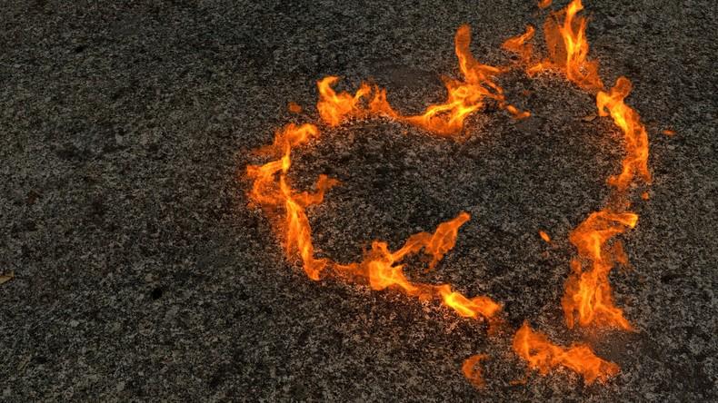 Romeo mit Fackel: Mann setzt Wohnhaus in Brand, um seine Ex-Freundin zu beeindrucken