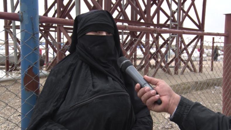Menschen aus letzter IS-Hochburg: IS-Frauen und Kinder strömen in Flüchtlingslager bei Baghouz
