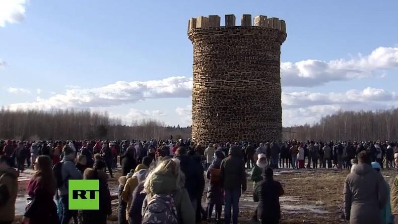 LIVE: Russland feiert Masleniza und die Bastille geht in Flammen auf!