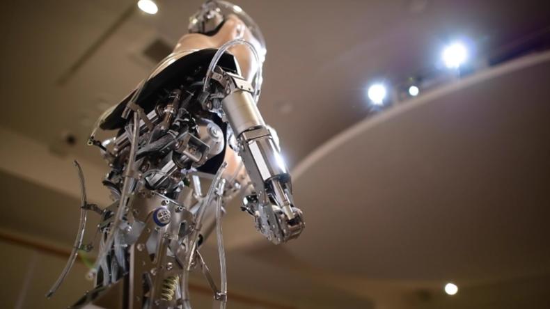 Kyoto's computergestützter Roboter-Gott predigt batteriebetriebenen Buddhismus