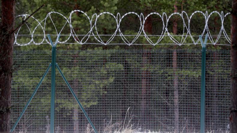 Lettland stellt 93 Kilometer langen Zaun an Grenze zu Russland fertig