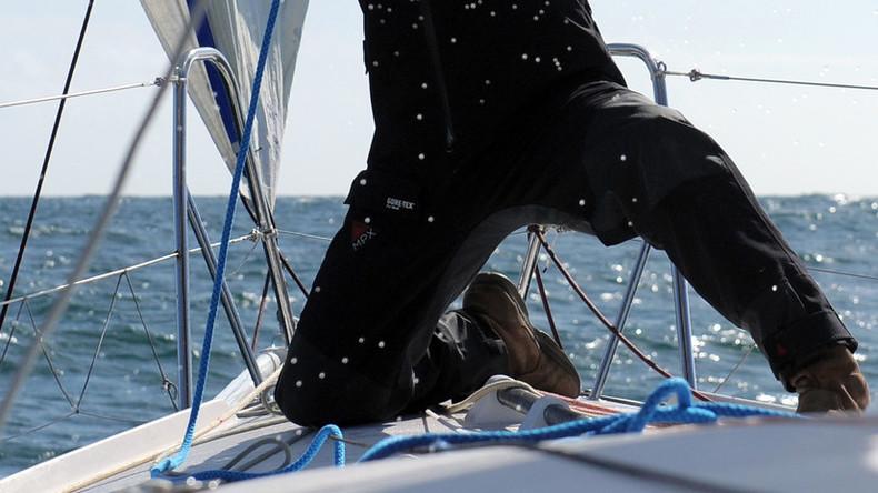 Deutscher geht über Bord, treibt stundenlang auf See und überlebt dank seiner Jeans