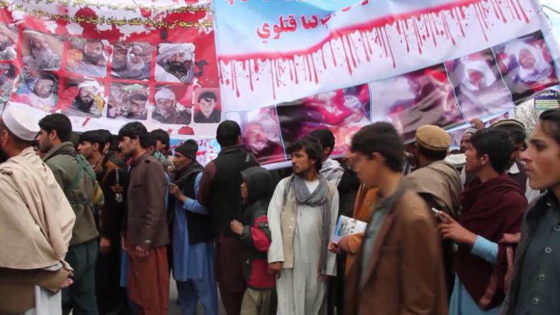 """""""USA raus!"""" - Hunderte protestieren gegen US-Luftangriffe in Afghanistan"""