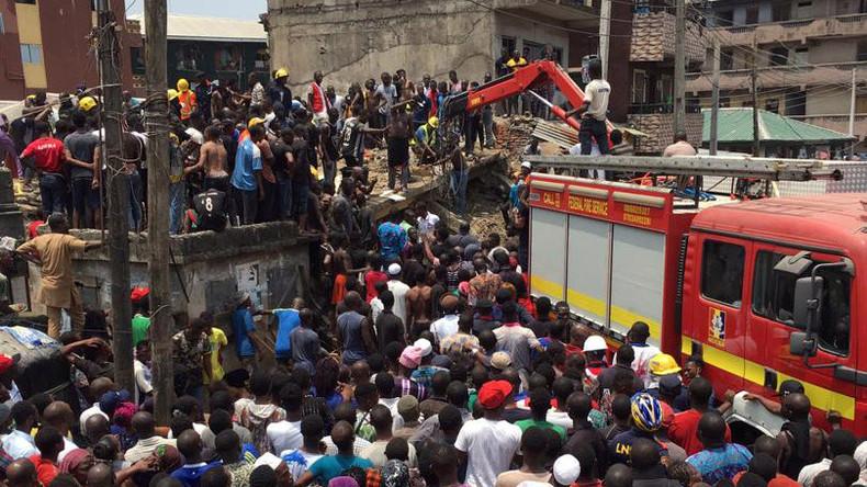 Gebäudeeinsturz in Nigeria – 100 Grundschüler unter Trümmern vermutet