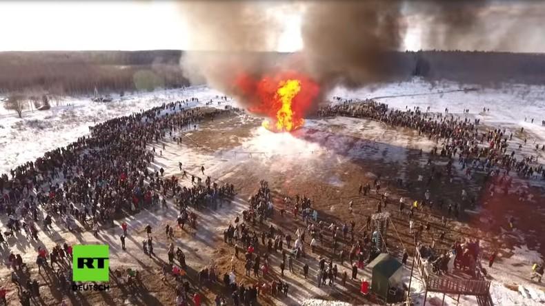 Masleniza statt Karneval – Russland feiert die Buttertage