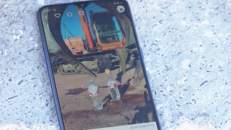 Chinesischer Bauarbeiter zeigt seine bemerkenswerten Baggertricks