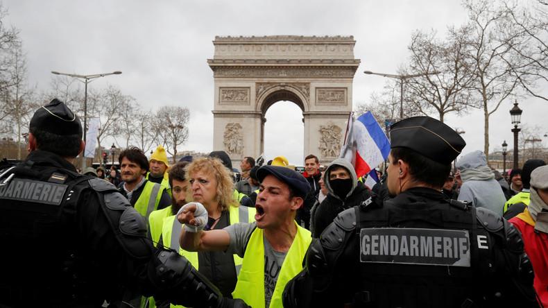 LIVE: #Gelbwesten protestieren in der 18. Woche in Folge in Paris