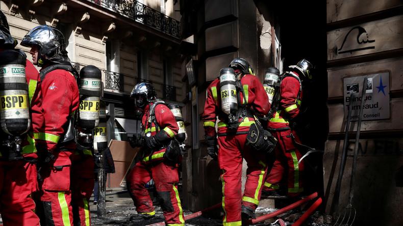 Eskalation in Paris: Wohnhaus geht bei Gelbwesten-Protesten in Flammen auf