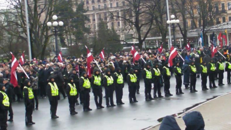 Lettland: Über 1.000 Teilnehmer nehmen an Europas einzigem Waffen-SS-Veteranenmarsch teil