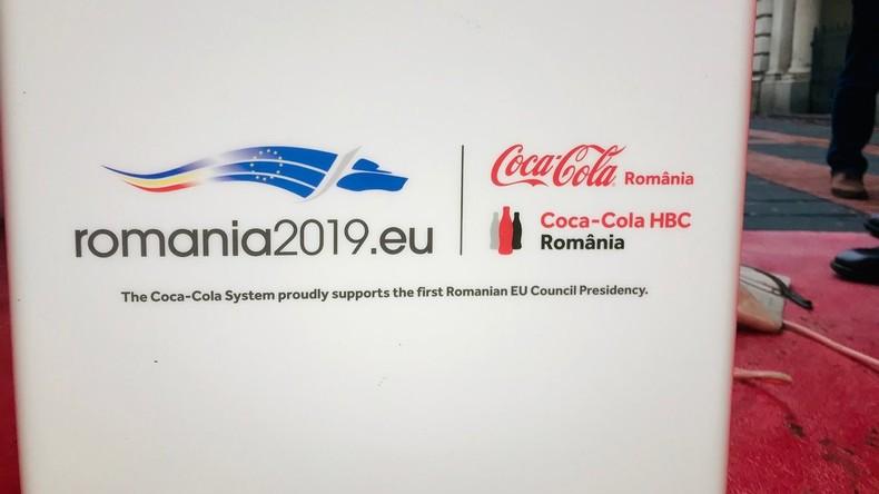 Die rumänische EU-Ratspräsidentschaft wird Ihnen präsentiert von: Coca-Cola